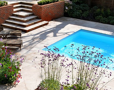 Surrey-garden-designers-swimming-pools-uk-Haslemre