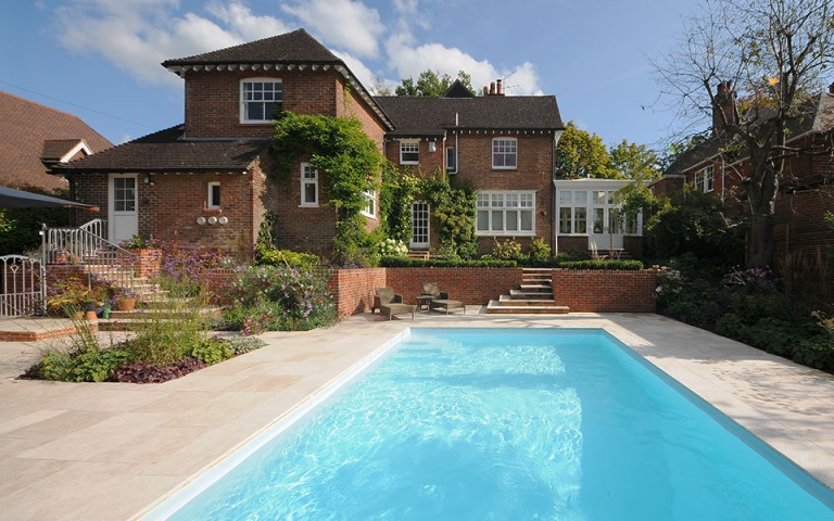 Surrey-garden-designer-Haslemere-swimming-pool-construction-garden-designs-contemporary