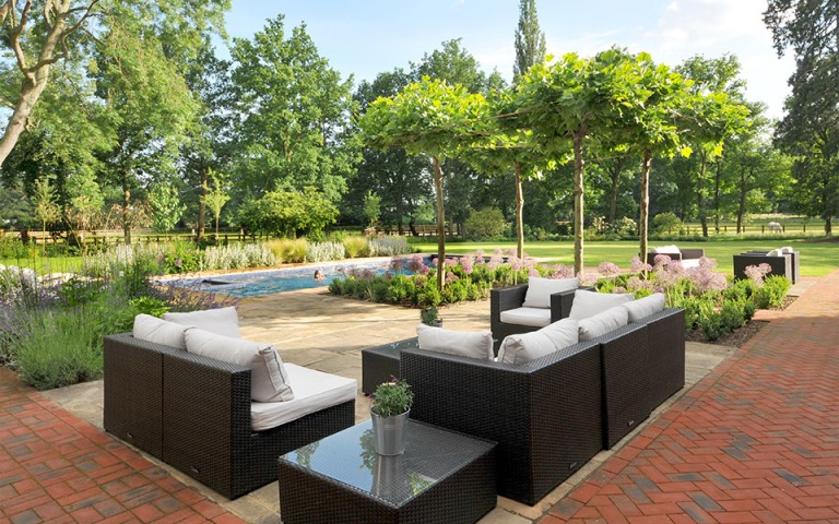 Surrey-garden-designers-Guildford-swimming-pool-