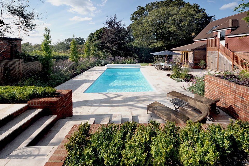 Swimming pool garden for Landscape gardeners poole