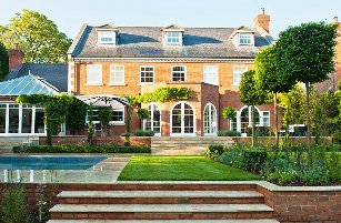 Surrey-garden-designer-Cobham-garden-desings-home-swimming-pools-