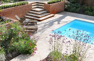 Surrey-garden-designer-Haslemere-landscape-gardener-contemporary-gardens-swimming-pools