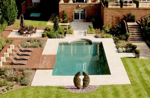 Surrey-garden-designers-swimming-pool
