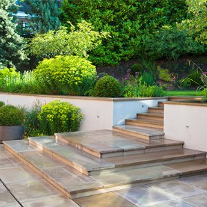 Surrey-garden-designers-natural-stone-London-Stone-Cobham-garden-design