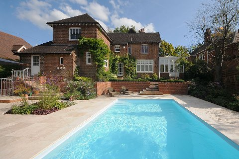 Surrey swimming pool gardens for Hire a swimming pool for the garden
